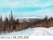 Купить «Зимний пейзаж. Вид на гору  Кивакка. Северная Карелия. Россия», фото № 28235284, снято 23 марта 2018 г. (c) Наталья Осипова / Фотобанк Лори