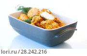 Купить «Chicken fried in batter with dill», видеоролик № 28242216, снято 30 марта 2018 г. (c) Peredniankina / Фотобанк Лори