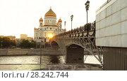 Купить «Cathedral of Christ Savior in Moscow, Russia», видеоролик № 28242744, снято 26 декабря 2017 г. (c) BestPhotoStudio / Фотобанк Лори