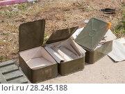 Купить «Пустая коробка от боеприпасов для российского автоматического гранатомета, военный полигон Алабино», фото № 28245188, снято 24 августа 2017 г. (c) Малышев Андрей / Фотобанк Лори