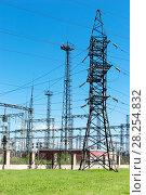 Купить «High voltage line», фото № 28254832, снято 20 июня 2007 г. (c) Ольга Сапегина / Фотобанк Лори