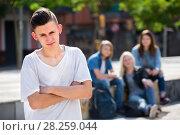 Купить «Teenage boy outcast», фото № 28259044, снято 10 июля 2020 г. (c) Яков Филимонов / Фотобанк Лори