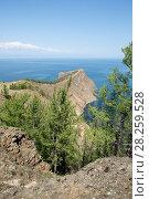Купить «View of the rocky shore near Cape Khoboy, Olkhon Island, Lake Baikal, Siberia, Russia.», фото № 28259528, снято 20 апреля 2018 г. (c) Nature Picture Library / Фотобанк Лори