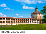 Купить «Fortress tower and wall of Kirillo-Belozersky monastery near City Kirillov, Vologda region, Russia», фото № 28267268, снято 13 августа 2016 г. (c) Papoyan Irina / Фотобанк Лори