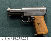 """Купить «Немецкий компактный самозарядный пистолет """"Маузер"""" образца 1934 года», фото № 28279208, снято 25 марта 2016 г. (c) Free Wind / Фотобанк Лори"""