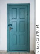 Купить «wood green door», фото № 28279424, снято 19 февраля 2018 г. (c) Jan Jack Russo Media / Фотобанк Лори