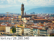 Cityscape of FLORENCE in Italy with tower of Palazzo Vecchio. Sunny evening in spring. Стоковое фото, фотограф Сергей Цепек / Фотобанк Лори