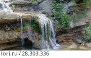 Купить «El Torrent de la Cabana small mountain stream with crystal clear water», видеоролик № 28303336, снято 16 мая 2017 г. (c) Яков Филимонов / Фотобанк Лори