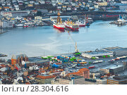 Cityscape of Bergen, Norway. Cargo port (2017 год). Стоковое фото, фотограф EugeneSergeev / Фотобанк Лори