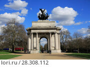 Купить «Wellington Arch (Constitution Arch), Hyde Park Corner, London, England, United Kingdom, Europe», фото № 28308112, снято 21 марта 2017 г. (c) age Fotostock / Фотобанк Лори