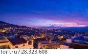 Купить «Chefchaouen sunset  rotation pan timelapse», видеоролик № 28323608, снято 27 марта 2018 г. (c) Кирилл Трифонов / Фотобанк Лори