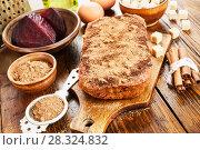 Купить «Beetroot pie with walnuts», фото № 28324832, снято 23 января 2018 г. (c) Надежда Мишкова / Фотобанк Лори