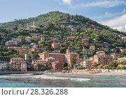 Купить «Итальянский курортный город Рекко на побережье Средиземного моря», фото № 28326288, снято 12 мая 2013 г. (c) Юлия Бабкина / Фотобанк Лори