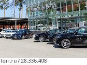 Купить «Mercedes Benz in front of the motor show», фото № 28336408, снято 11 июня 2017 г. (c) Евгений Ткачёв / Фотобанк Лори