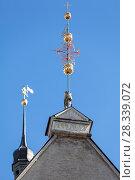 Купить «Флюгер на шпиле Таллинской ратуши, Таллин, Эстония», фото № 28339072, снято 29 марта 2018 г. (c) Кекяляйнен Андрей / Фотобанк Лори