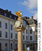 Купить «Central Station clock, symbol of Swedish railways», фото № 28341008, снято 27 марта 2018 г. (c) Валерия Попова / Фотобанк Лори