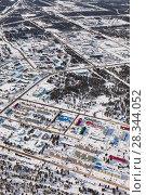 Купить «Vyngapurovsky is oilman's village in West Siberia, bird's eye view», фото № 28344052, снято 22 марта 2017 г. (c) Владимир Мельников / Фотобанк Лори