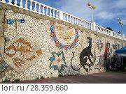 Купить «Краснодарский, край, село Дивноморское, мозаичное панно на набережной», эксклюзивное фото № 28359660, снято 26 сентября 2017 г. (c) Dmitry29 / Фотобанк Лори