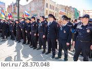 Купить «Police officers block an Leningradskaya street during an opposition protest rally», фото № 28370048, снято 5 мая 2018 г. (c) FotograFF / Фотобанк Лори