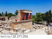 Купить «The Palace of Knossos in Crete, Heraklion, Greece», фото № 28371056, снято 5 июня 2017 г. (c) Наталья Волкова / Фотобанк Лори