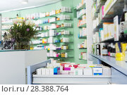 shelves with medicines in the pharmacy. Стоковое фото, фотограф Яков Филимонов / Фотобанк Лори