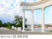 Купить «Sevastopol, rotunda overlooking the Southern bay, the Crimea, Russia», фото № 28388836, снято 16 октября 2018 г. (c) Mikhail Starodubov / Фотобанк Лори