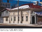 Купить «Главный дом усадьбы Набатовых в г. Уфе», фото № 28401532, снято 31 марта 2018 г. (c) Коротнев / Фотобанк Лори