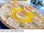 Купить «lemon tart in a baking dish», фото № 28409016, снято 5 мая 2018 г. (c) Oksana Zh / Фотобанк Лори