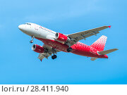 Купить «Airbus A319-100 of Rossiya - Russian Airlines. Board number VQ-BAT. Before landing in the Pulkovo Airport», фото № 28411940, снято 8 мая 2018 г. (c) Ольга Визави / Фотобанк Лори
