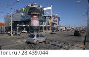 Купить «Городское дорожное движение. Таймлапс», видеоролик № 28439044, снято 19 мая 2018 г. (c) А. А. Пирагис / Фотобанк Лори
