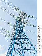 Купить «Мачта линии электропередач (ЛЭП)», фото № 28453844, снято 13 мая 2018 г. (c) Алёшина Оксана / Фотобанк Лори