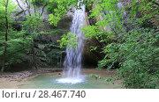 Купить «Водопад в лесу. Крым», видеоролик № 28467740, снято 29 мая 2017 г. (c) Яна Королёва / Фотобанк Лори