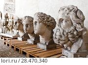Купить «School of sculptors, restoration of sculptures, workshop repair depot», фото № 28470340, снято 2 марта 2014 г. (c) Сурикова Ирина / Фотобанк Лори