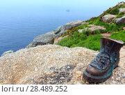 Купить «Boot of pilgrim (Cape Fisterra, Galicia, Spain).», фото № 28489252, снято 14 мая 2016 г. (c) Юрий Брыкайло / Фотобанк Лори