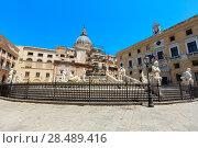 Купить «Fontana Pretoria, Palermo, Sicily, Italy», фото № 28489416, снято 15 июня 2017 г. (c) Юрий Брыкайло / Фотобанк Лори