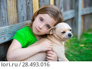 Купить «Blond happy girl with her chihuahua doggy portrait on backyard fence», фото № 28493016, снято 19 июля 2018 г. (c) Ingram Publishing / Фотобанк Лори
