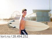 Купить «Surfer boy teenager with surfboard in Santa Monica Lifeguard house California», фото № 28494252, снято 20 июня 2019 г. (c) Ingram Publishing / Фотобанк Лори