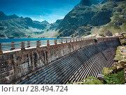 Dam on mountains top in France. Стоковое фото, агентство Ingram Publishing / Фотобанк Лори