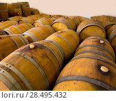 Купить «Wine barrels oak wood in mediterranean winery», фото № 28495432, снято 4 сентября 2013 г. (c) Ingram Publishing / Фотобанк Лори