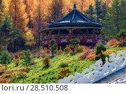 Купить «Буддийский храм Хуа-Ян в Китае осенью», фото № 28510508, снято 7 октября 2017 г. (c) Василий Князев / Фотобанк Лори