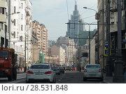 Купить «Улица Долгоруковская в Москве, с видом на высотку БЦ Оружейный», эксклюзивное фото № 28531848, снято 1 мая 2018 г. (c) Дмитрий Неумоин / Фотобанк Лори