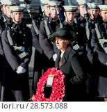 Купить «The Queen, Along with other senior members of the Royal family, leads the national tribute to the fallen at Cenotaph on Remembrance Sunday Featuring: Theresa...», фото № 28573088, снято 13 ноября 2016 г. (c) age Fotostock / Фотобанк Лори
