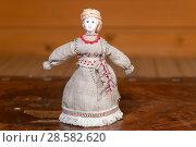 Купить «Странница. Авторская кукла», эксклюзивное фото № 28582620, снято 11 июня 2018 г. (c) Александр Щепин / Фотобанк Лори