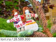 Купить «Оберег неразлучники. Авторская кукла», эксклюзивное фото № 28589300, снято 11 июня 2018 г. (c) Александр Щепин / Фотобанк Лори