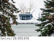 Купить «Слуховое окно на крыше бывшего павильона колхозной школы зимой, проспект Мира, 119, строение 420 на ВДНХ. Москва», эксклюзивное фото № 28593616, снято 16 января 2017 г. (c) Алёшина Оксана / Фотобанк Лори