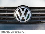 """Купить «Эмблема """"Volkswagen""""», эксклюзивное фото № 28604772, снято 21 августа 2010 г. (c) Алёшина Оксана / Фотобанк Лори"""