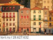 Купить «Historic buildings in the town of Vila Nova de Gaia. Portugal», эксклюзивное фото № 28627632, снято 20 марта 2019 г. (c) Сергей Цепек / Фотобанк Лори