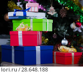 Multicolor New Year gifts. Стоковое фото, фотограф Яков Филимонов / Фотобанк Лори