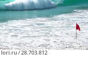 Купить «Tidal waves on Phuket», видеоролик № 28703812, снято 2 июня 2018 г. (c) Игорь Жоров / Фотобанк Лори