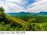 Купить «Живописный вид с горы на поля, джунгли и и долину Краби, Таиланд», фото № 28705476, снято 17 февраля 2013 г. (c) Игорь Рожков / Фотобанк Лори